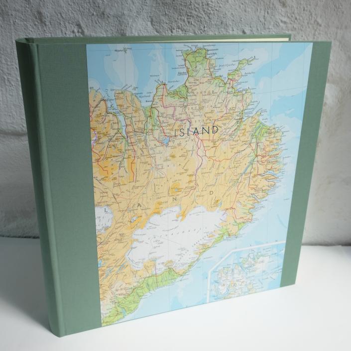 riesiges Fotoalbum in Mint-Frost mit Island Landkarte und Prägung