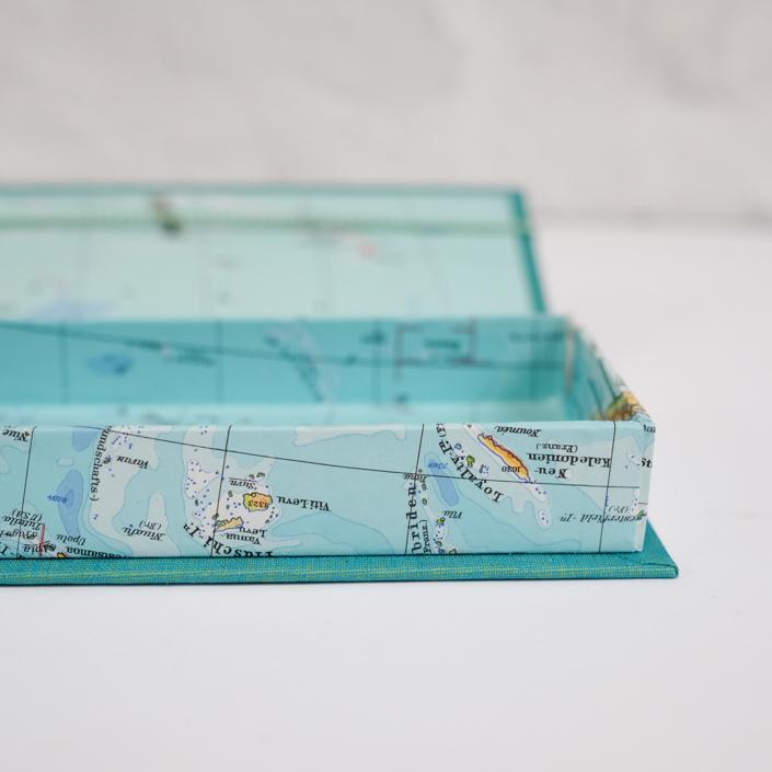 Etui mit ganz viel Meer und einigen Inseln
