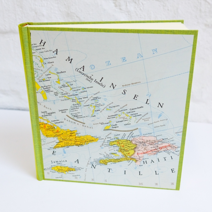 Fotoalbum in Limette mit alter Landkarte