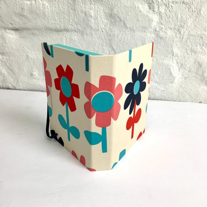 Schatulle mit Blumen für 10x15cm Fotos
