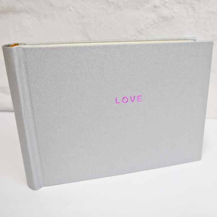 silber glitzernes Fotoalbum mit Prägung in Pink Metallic